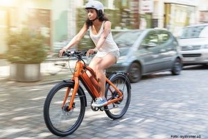 stromer_st1x_action_orange
