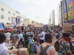 Straßenszene in Afrika