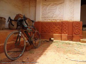 Mit dem Bambus-Rad in Afrika