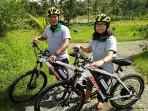 Jatiluwih-greenbikesbali-guides-fun-activity-cycling-bali
